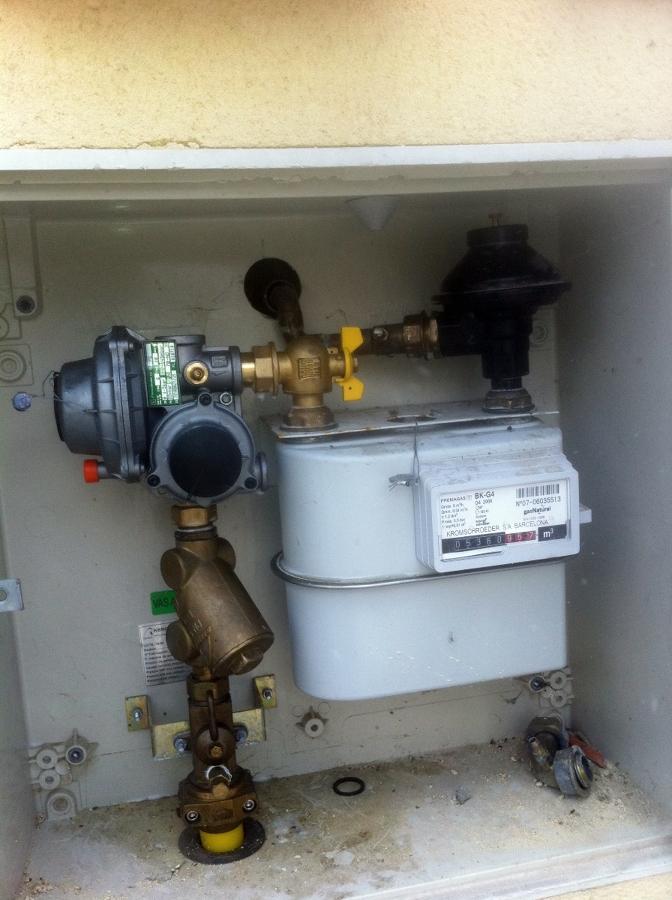 Foto armario de contador de gas de calderas valladolid - Armarios para calderas de gas exterior ...