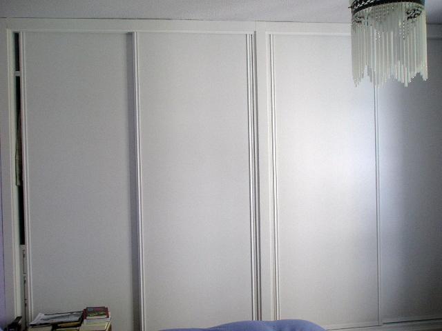 Foto armario de doble cuerpo lacada en blanco de cmp - Armarios empotrados lacados en blanco ...