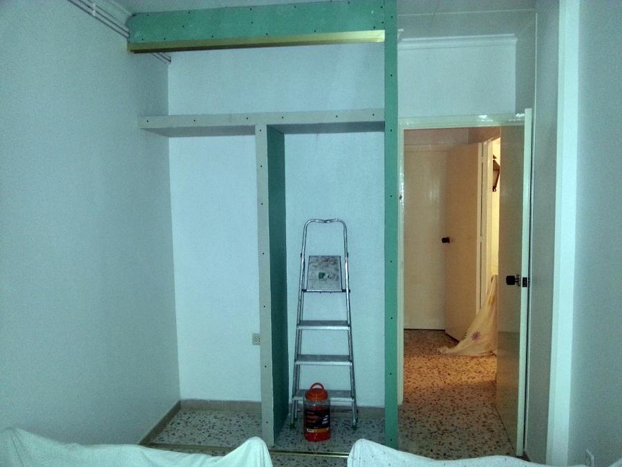 Foto armario de pladur de servi mundo 377561 habitissimo - Como hacer puertas de armario ...