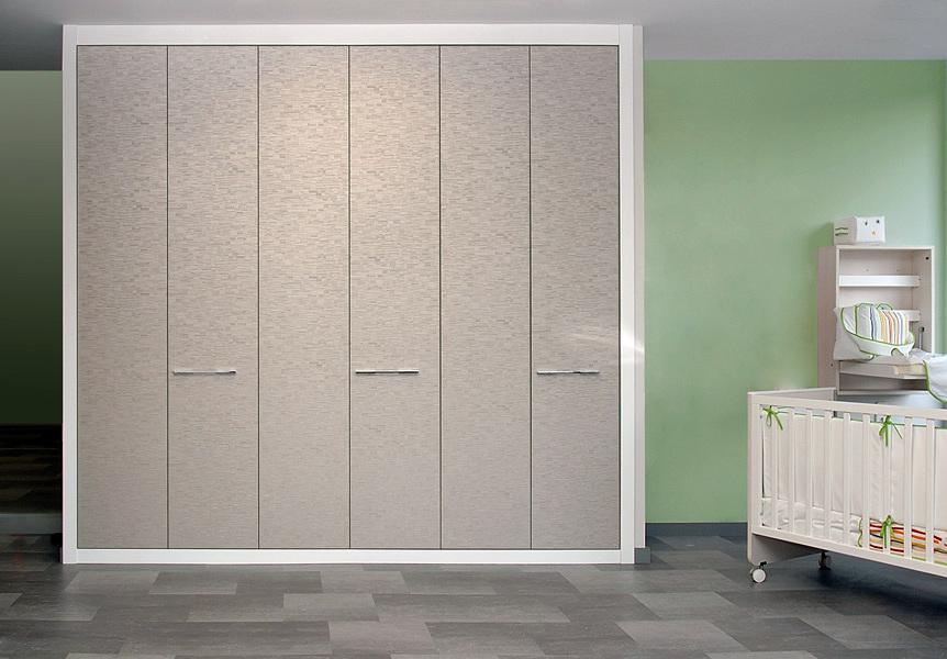 Foto armario de puertas plegable serie zafiro de interni - Puertas plegables armarios empotrados ...