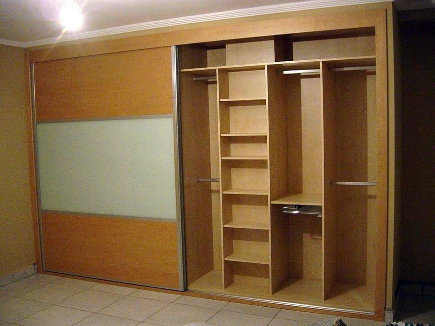 Foto armario empotrado a medida de busti valper 253309 for Precios de armarios a medida