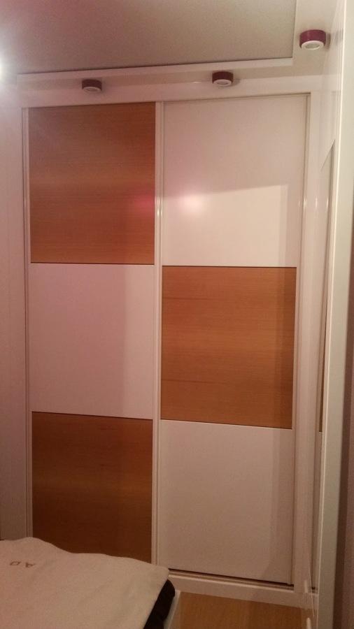 Foto armario empotrado blanco lacado y mukali de - Armario blanco lacado ...