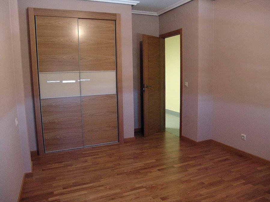 Foto armario empotrado en roble de carpinter a juan - Puertas para armario empotrado ...