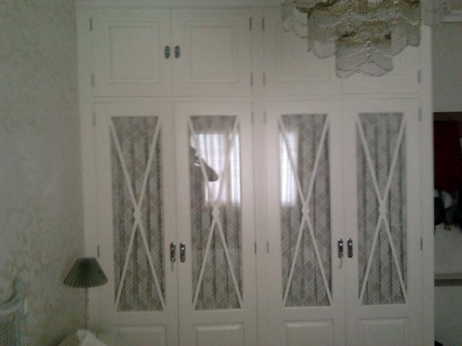 Foto armario empotrado lacado en blanco de multiservicios - Armarios vintage barcelona ...