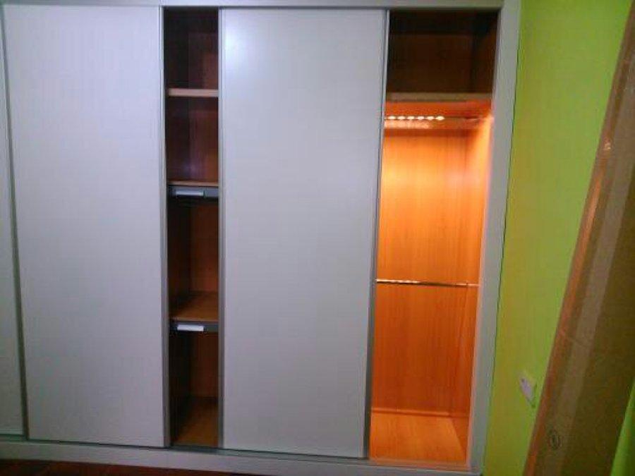 Foto armario empotrado puertas corredera lacado en blanco - Armario empotrado blanco ...