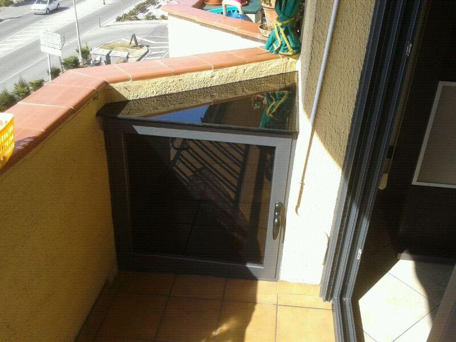 Foto armario de aluminio en el balcon de ems carpintero de aluminio y pvc 643295 habitissimo - Armario balcon ...