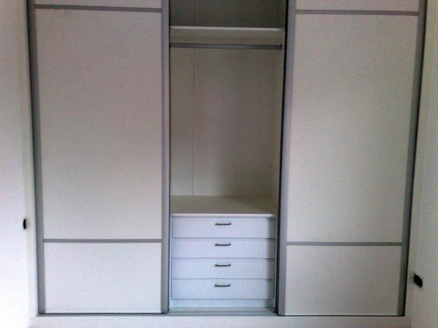Foto armario en sevilla de rc parquet 303356 habitissimo - Armario estilo japones ...