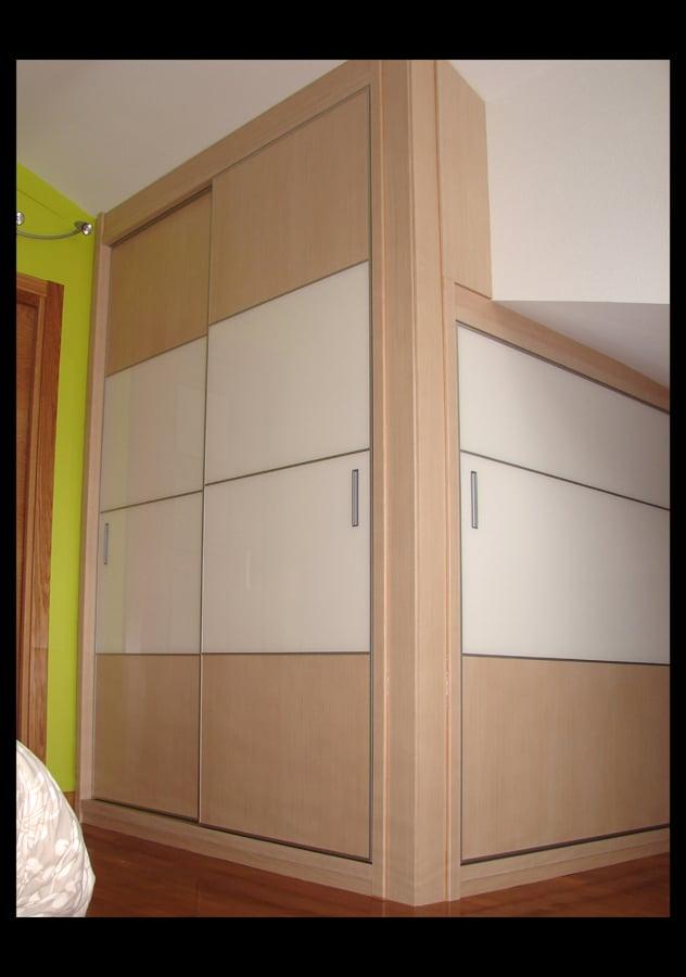 Foto armario esquina de s o s carpinteros 654863 - Armario de esquina ...