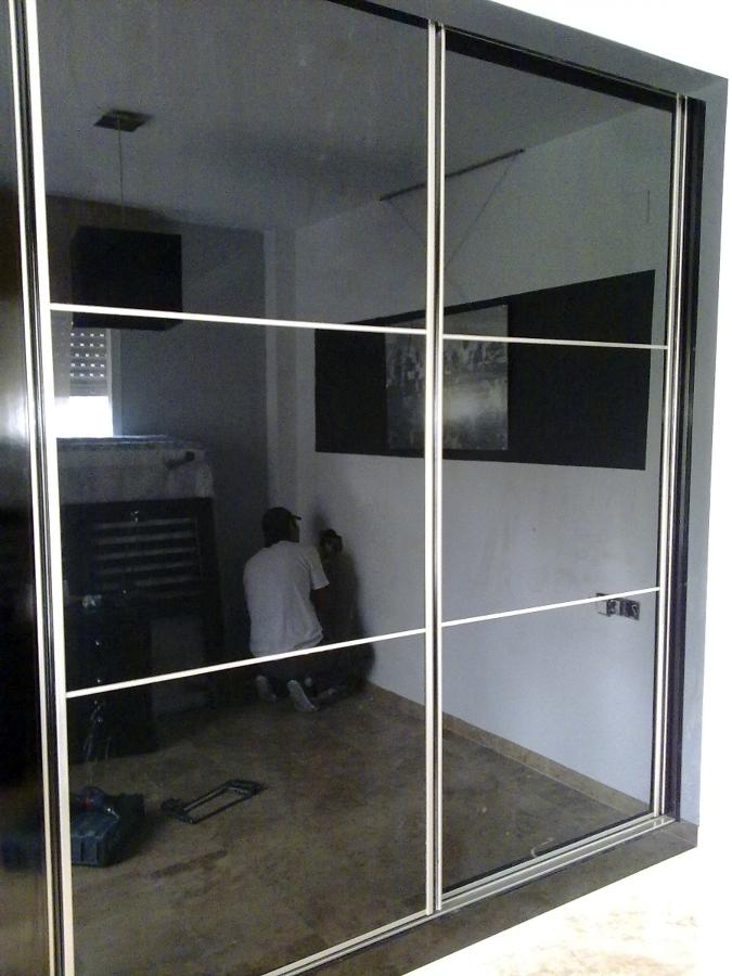 Foto armario japones cristal negro de a r armarios s l - Armarios de cristal ...