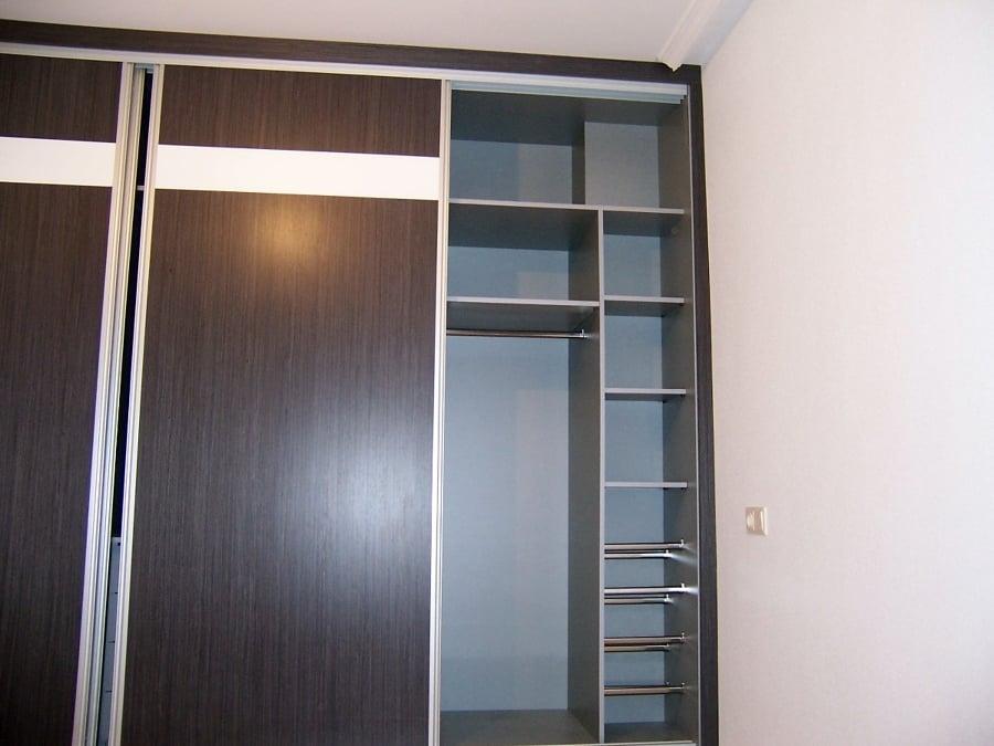 Foto armario ropero con puertas correderas de - Roperos puertas correderas ...