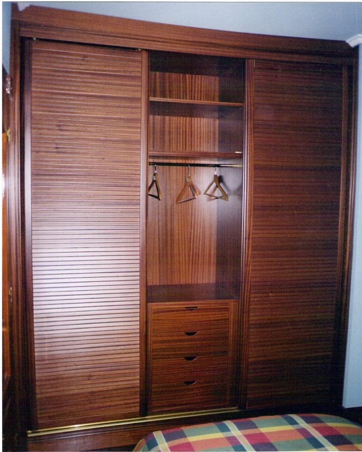 Foto armario ropero de ebanister a p f 210675 habitissimo - Armario ropero puertas correderas ...