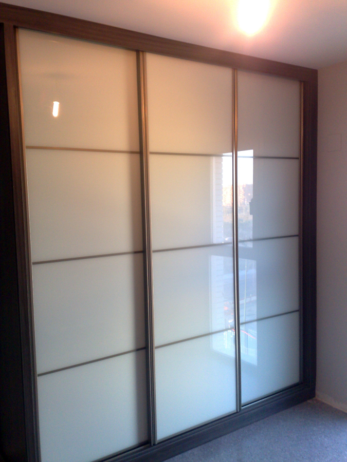 Foto armario triple japonesa cristal blanco de a r - Armario con puertas de cristal ...