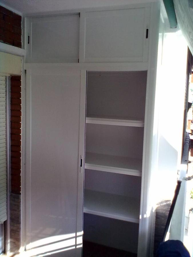 Foto armarios con maleteros de aluminios jada s l - Armarios vintage barcelona ...