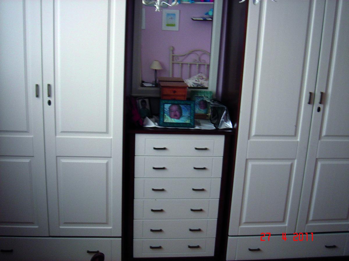 Foto armarios dormitorio de barnizados mauri 150921 for Armarios dormitorio