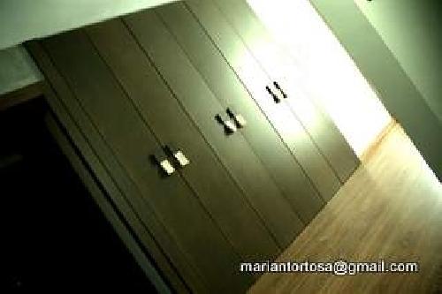 Foto armarios techo suelo con tiradores piel de tapidecor - Tapidecor alzira ...