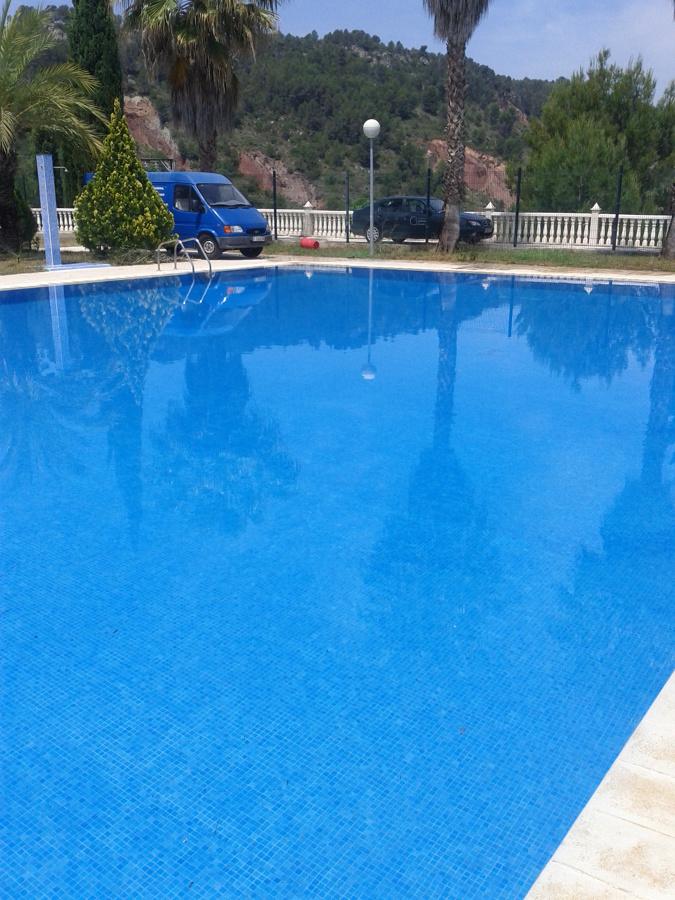 Foto arreglos en piscina municipal de gestdaval 549144 for Piscina municipal avila