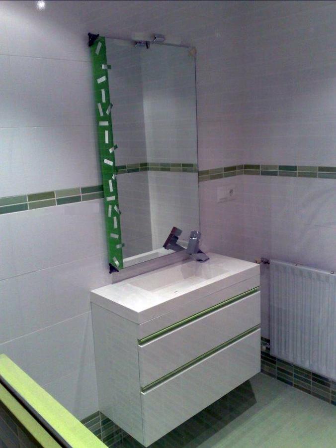 Aseo y ducha para clientes en local comercial dedicado a zona SPA