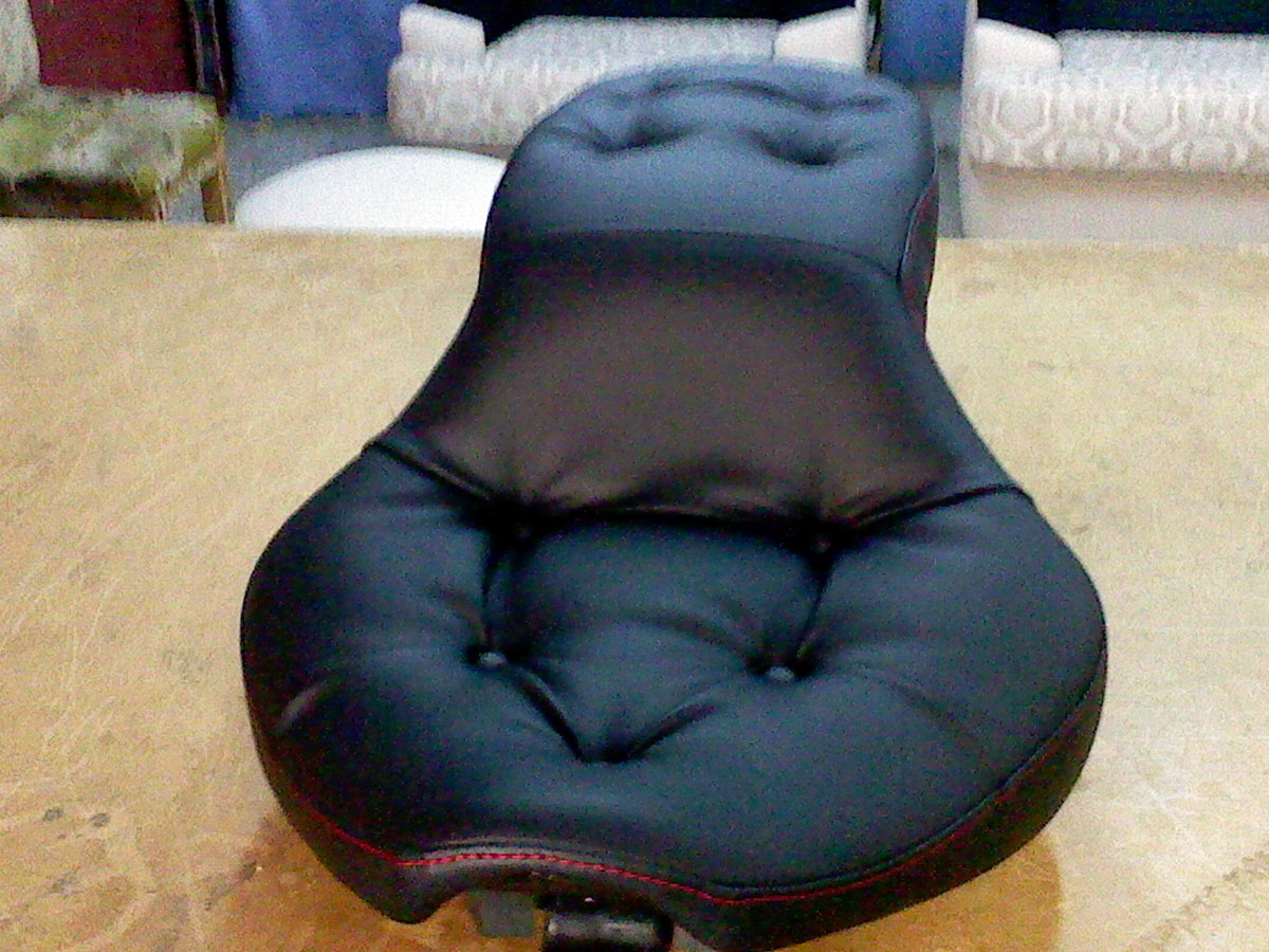 Foto asiento de moto jarli de tam fer tapicerias c b 302302 habitissimo - Tapiceros tarragona ...