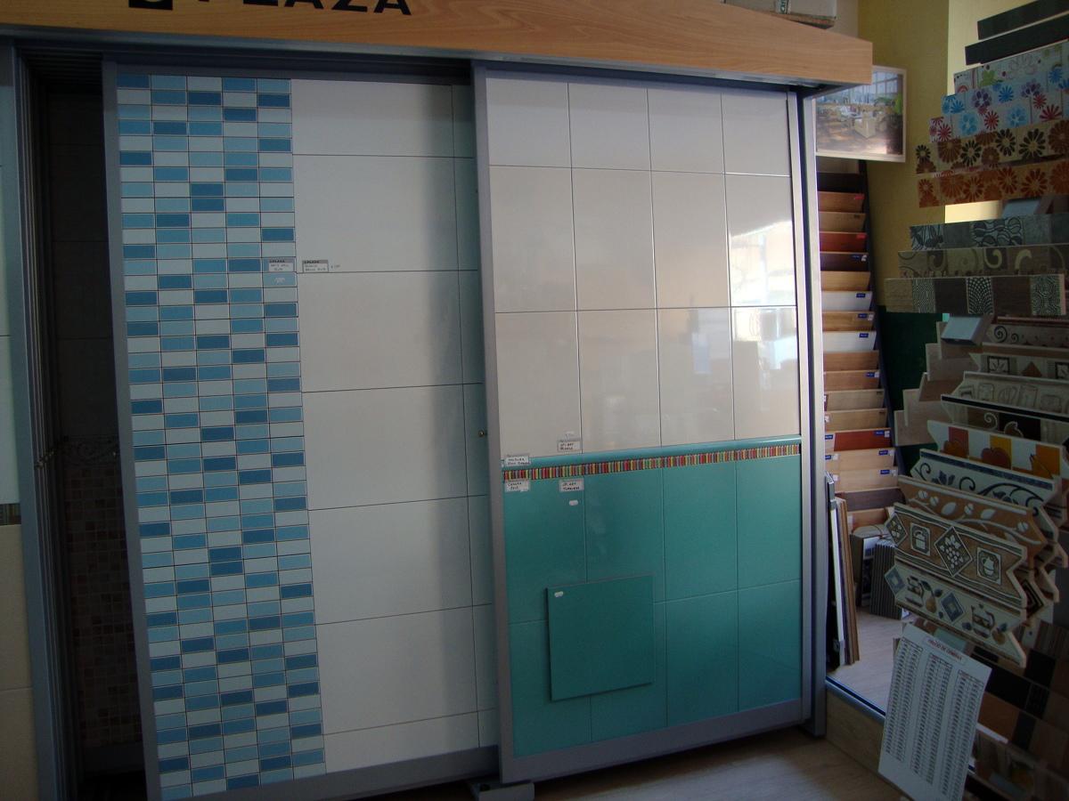 Foto azulejos y pavimentos de azulejos y saneamientos for Azulejos y pavimentos sol