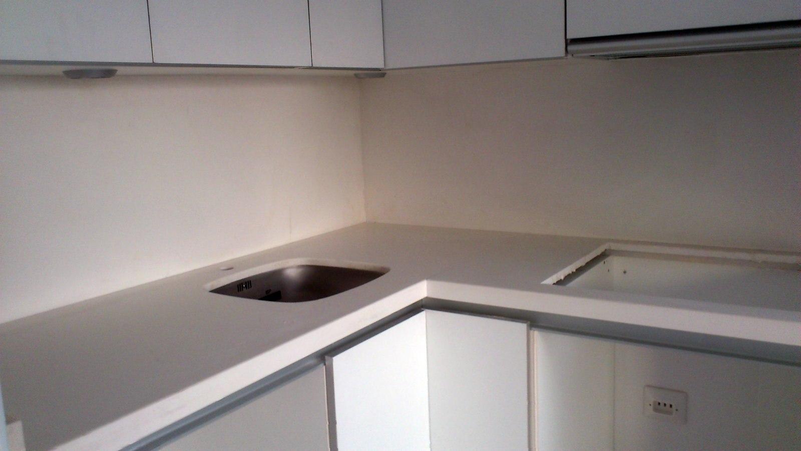 Foto bancada cocina blanco glaciar de m rmoles macia - Bancadas de cocina ...