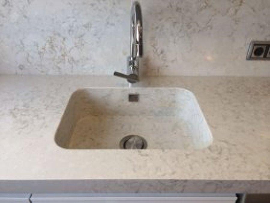 Foto bancada de cocina en silestone pulsar marmoles - Marmoles en valladolid ...