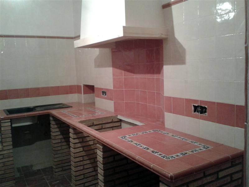 Foto banco de cocina rustico hecho integro a mano de for Alicatados de cocinas