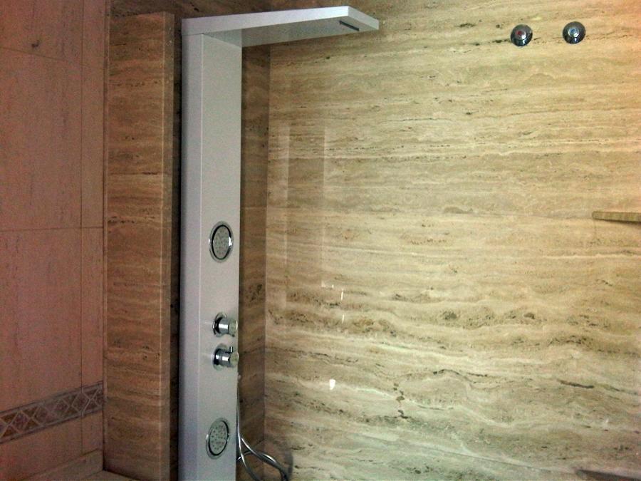 Foto ba o aplacado de m rmol tragavino de construcciones for Material parecido al marmol