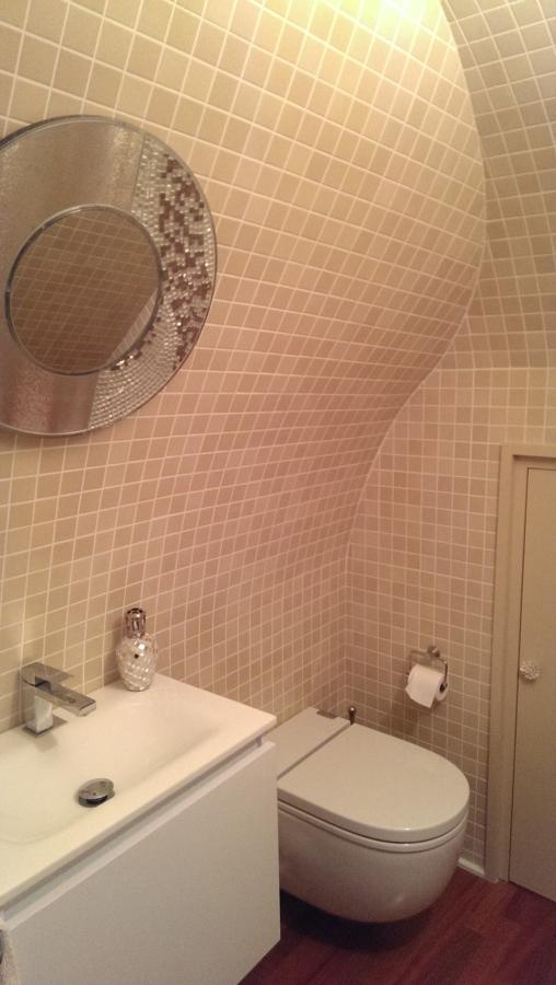 Foto ba o bajo escalera de promocanal 25001 sl 593741 for Bano debajo escalera diseno