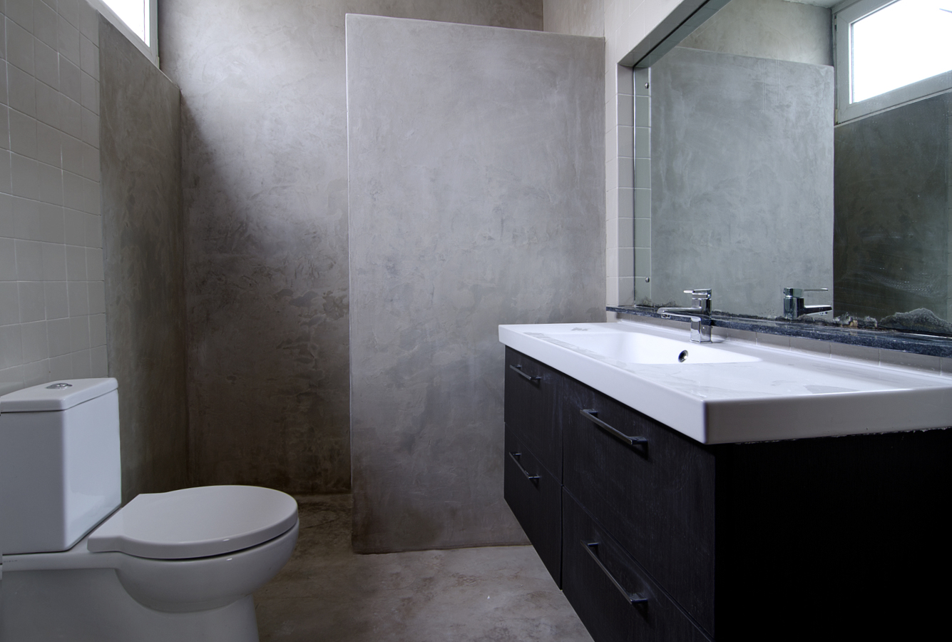 Foto ba o con paredes y suelo de microcemento de finwet for Microcemento imagenes