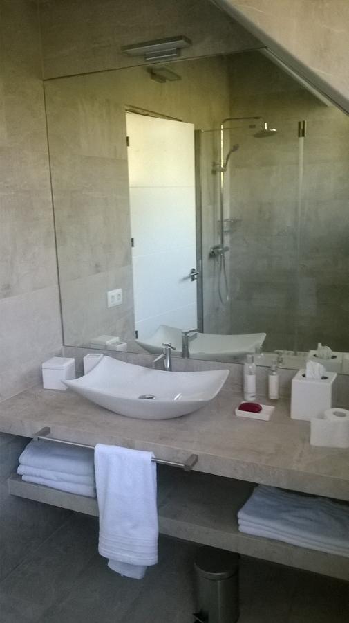 baño las rozas.JPG