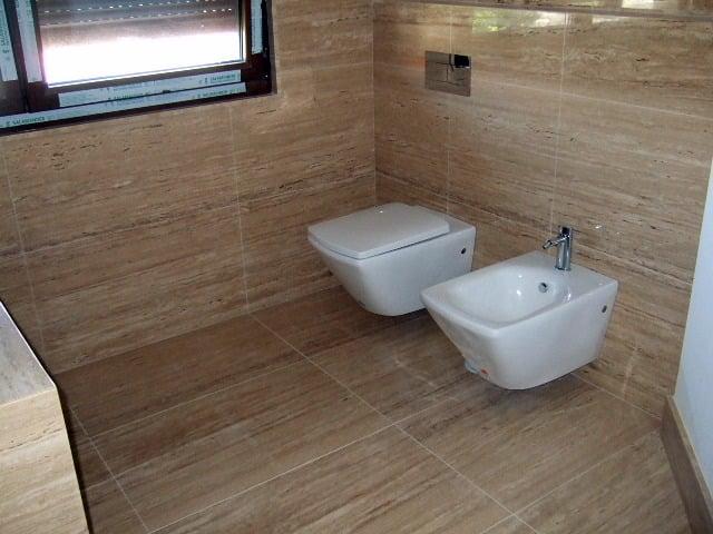 Foto ba o marmol travertino de marmol porvi sl 268405 - Lavabos de marmol para bano ...