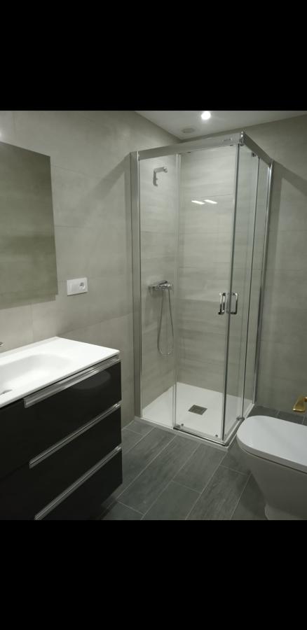 Baño marrón .jpg