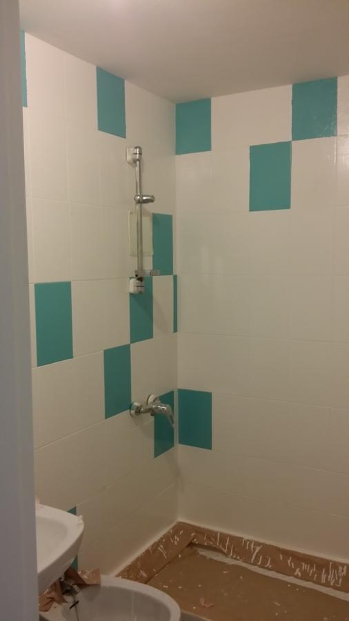 Foto ba o pintado de azulejos fase 1 de fontaneria for Azulejos bano cordoba