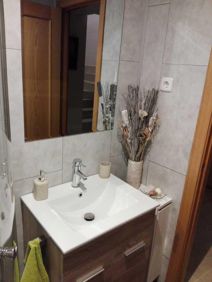 Instalación de piezas de baño