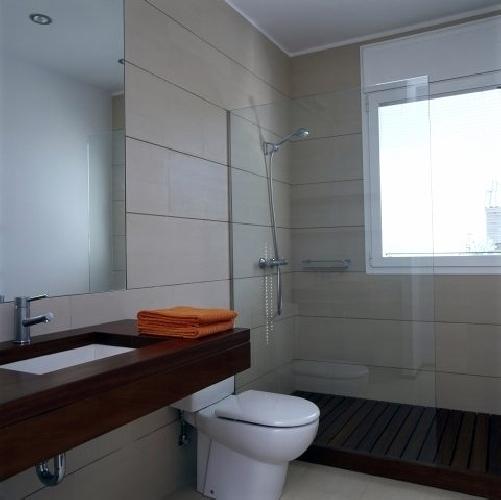 Foto ba o de nov alicatados pavimentos 238467 habitissimo - Pavimentos para banos ...