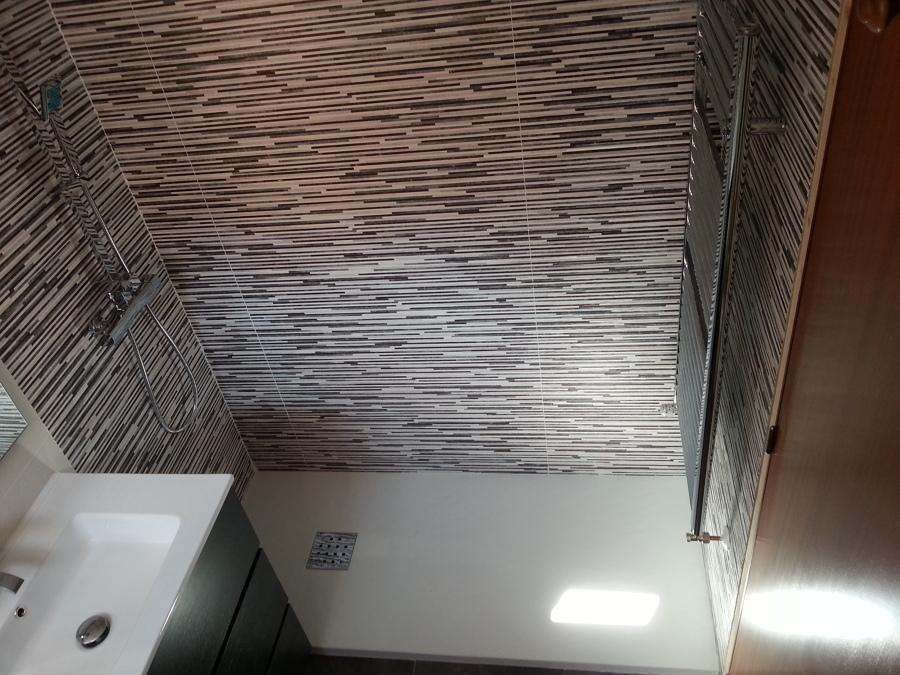 Plato de ducha de 1.60 de carga mineral y radiador-toallero.jpg