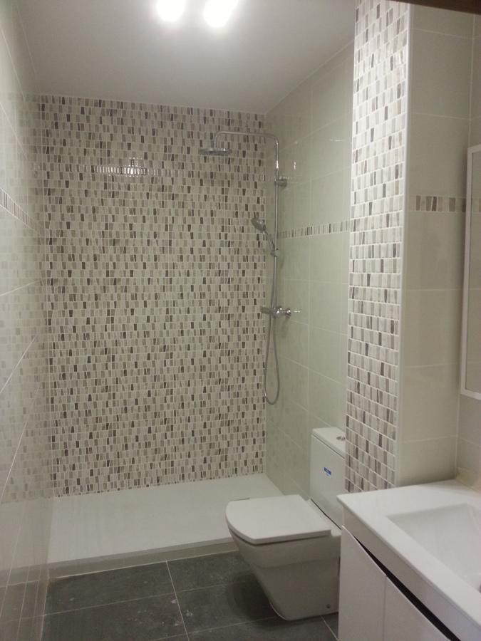 Plato de ducha de 1.60 de carga mineral, azulejo normal, Griferi