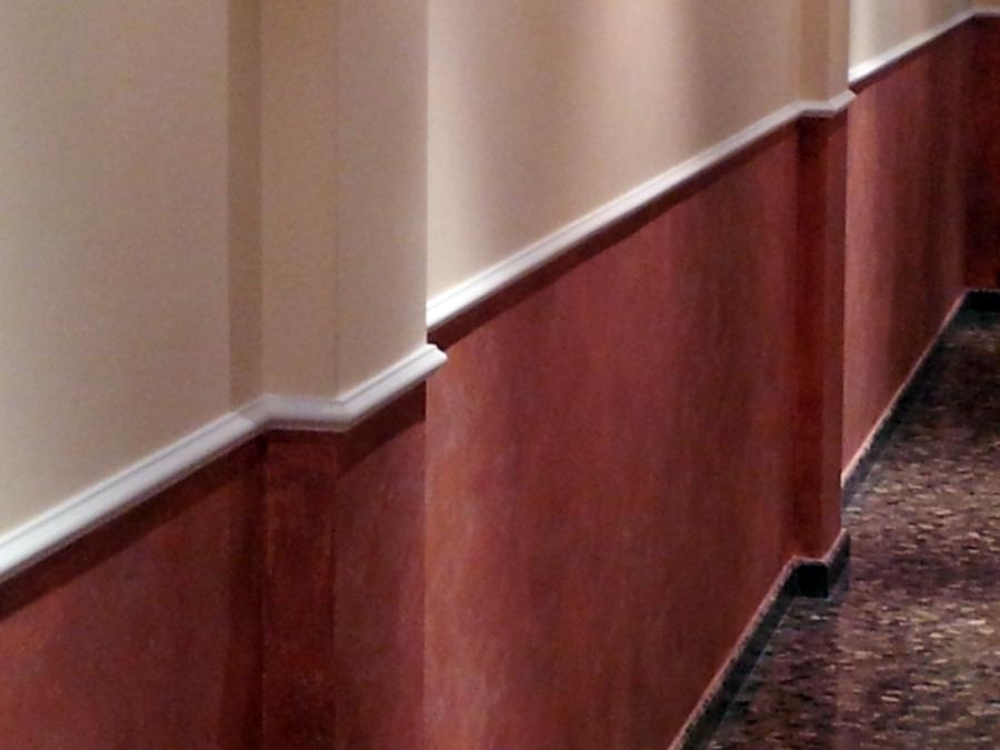 Foto baqueton a media altura y estuco de escayolas y - Zocalos de madera para pared ...