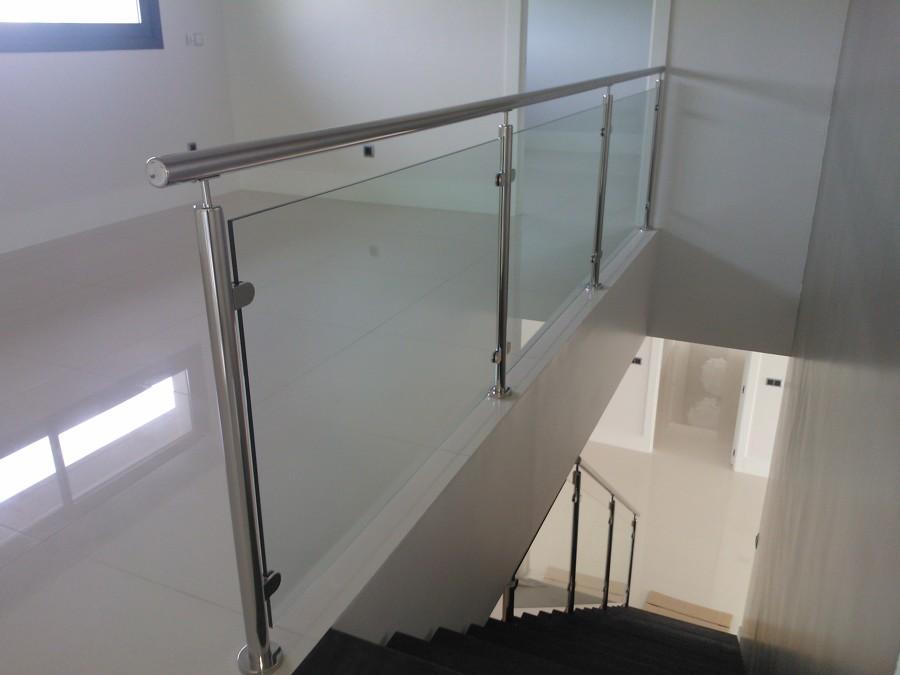 Foto barandilla acero inoxidable y cristal laminado de jose fernando bernal tolmo 507467 - Barandilla cristal escalera ...
