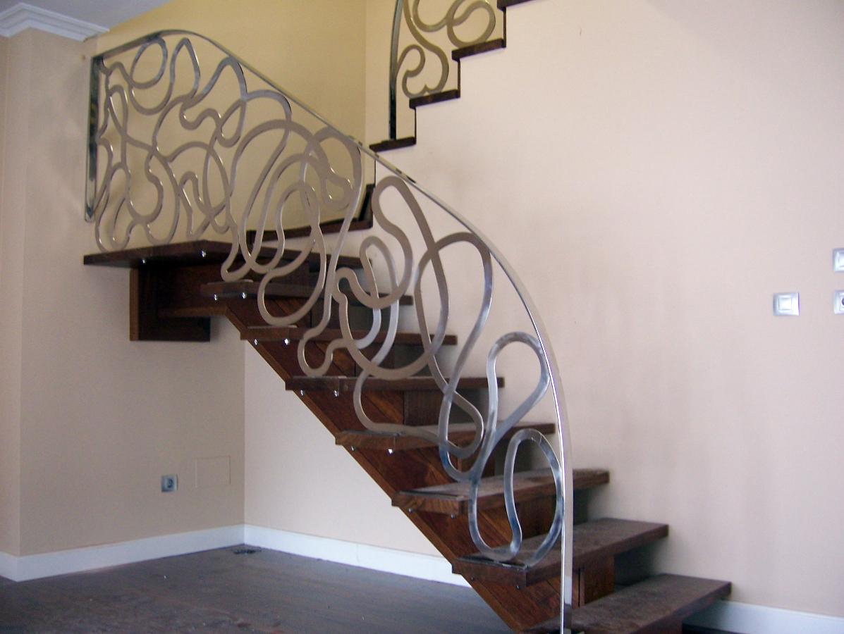 Foto barandilla de acero inox con pletina de decormetal - Escaleras de forja modernas ...