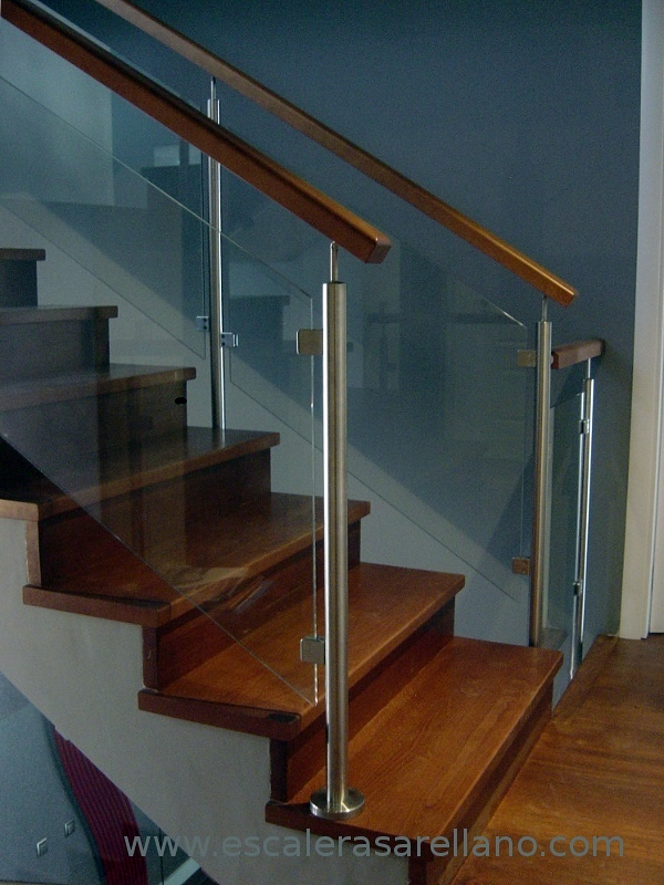 Foto barandilla de acero inoxidable cristal y madera de ebanister a arellano s l 236845 - Barandillas de cristal ...