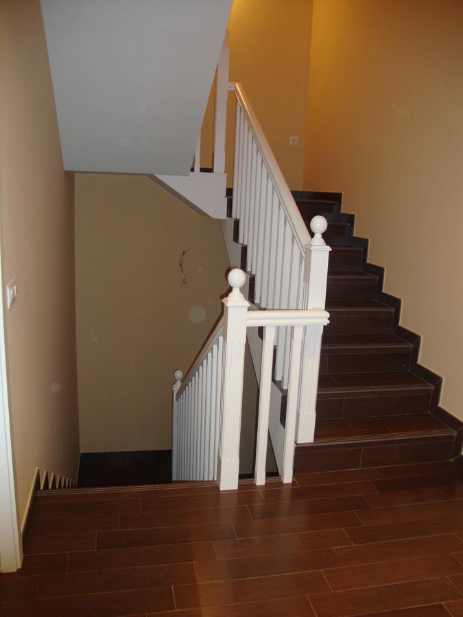 Foto barandilla de escalera de carpinteria ebanisteria y - Muebles campillo madrid ...