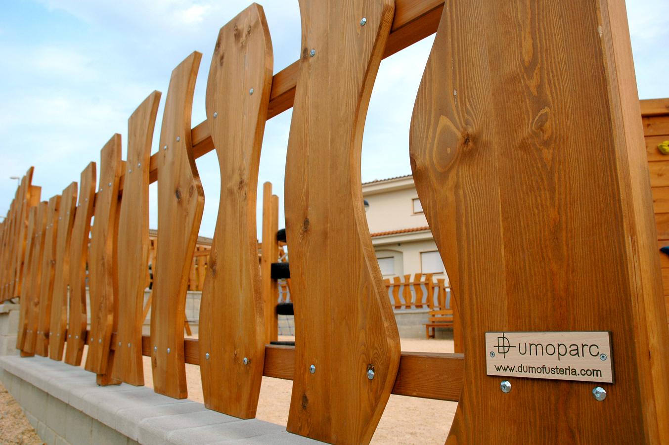 Foto barandilla exterior de dumo fusteria s l 261568 for Barandilla madera exterior