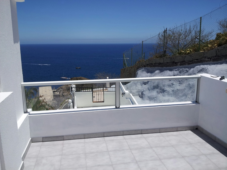Foto barandilla terraza de aluminios placeres 541581 for Barandillas de cristal para terrazas