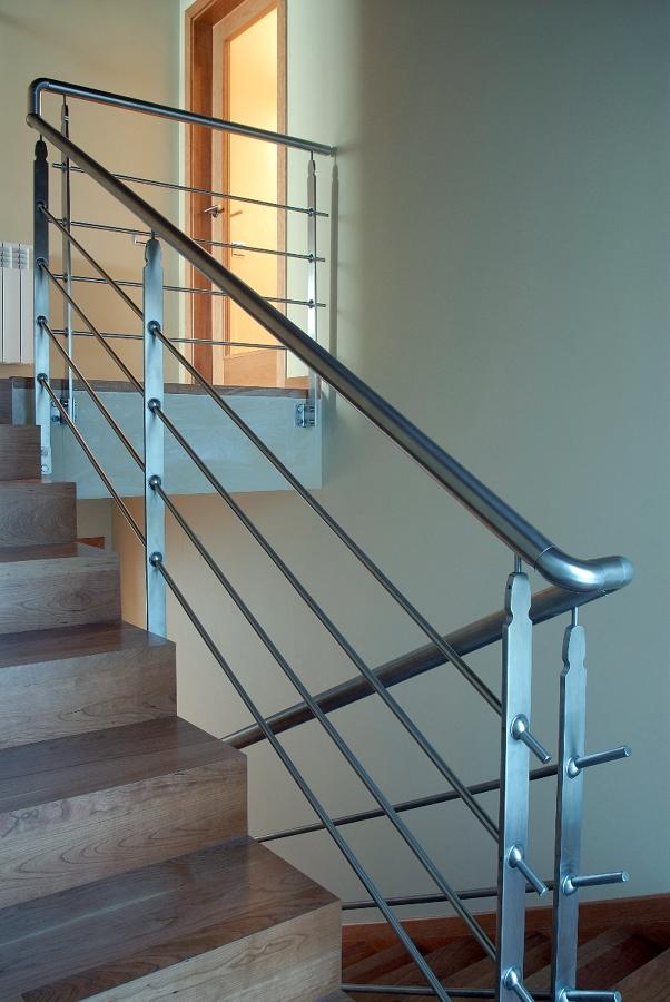 Foto barandilla de dumo fusteria s l 262257 habitissimo - Barandillas de escaleras interiores ...