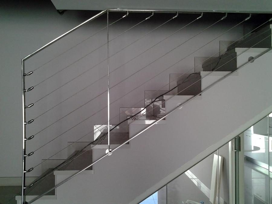 Foto barandillas de cables inoxidable de talleres y montajes ceycal 325143 habitissimo - Accesorios de acero inoxidable para barandillas ...