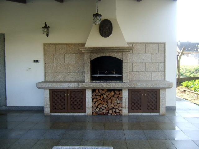 Foto barbacoa piedra silvestre cangas de marmol porvi sl for Piedra de marmol precio