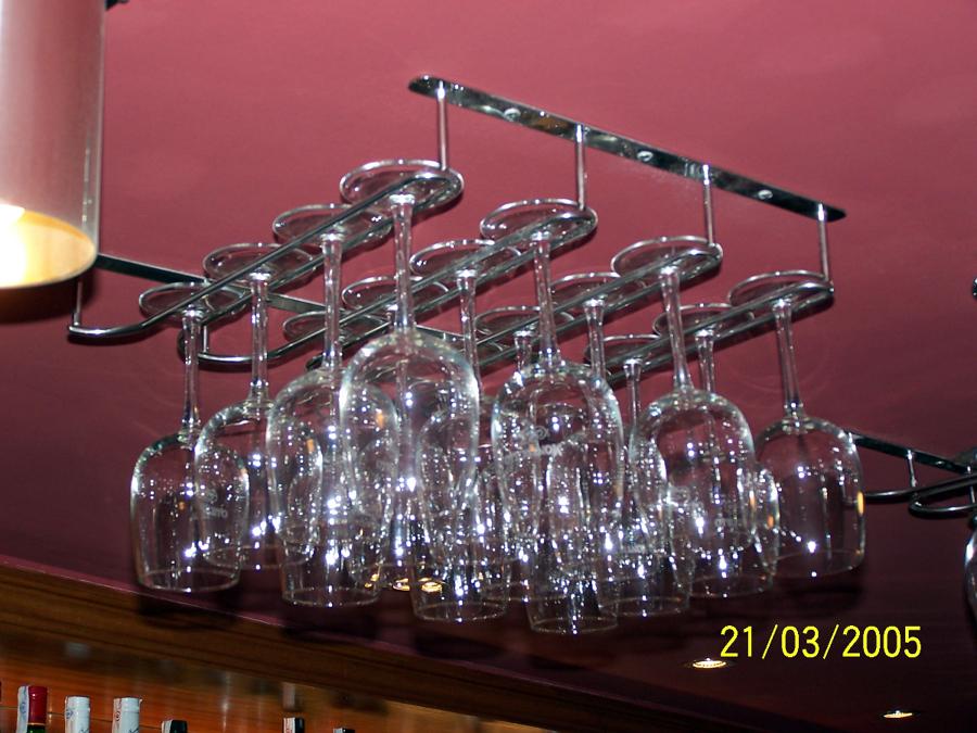 Foto botelleros de decormetal 194909 habitissimo - Botelleros de obra ...