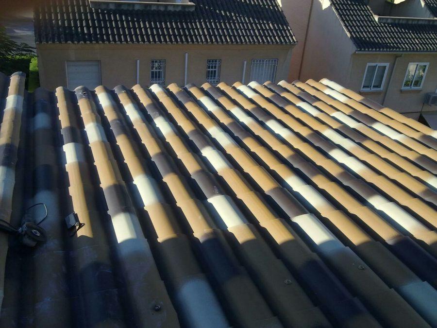 foto placas de teja artificial con aislante termico y