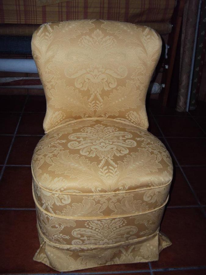 Foto butaca dormitorio de clasica tapiceria y cortinas - Tapiceros tarragona ...